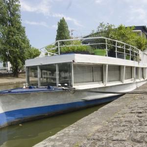 Location péniche insolite Nantes Quai de Versailles